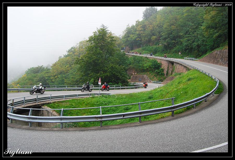 [IMG]http://www.tigliani.com/Multistrada/Torggelen2009/2129.jpg[/IMG]